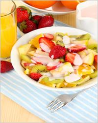 фрукты с йогуртом