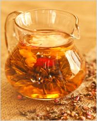 зеленый чай в кувшине
