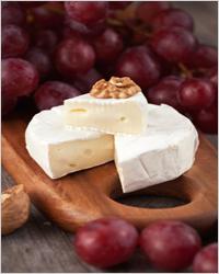 сыр с виноградом и грецкими орехами