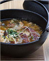 мясной суп в казане