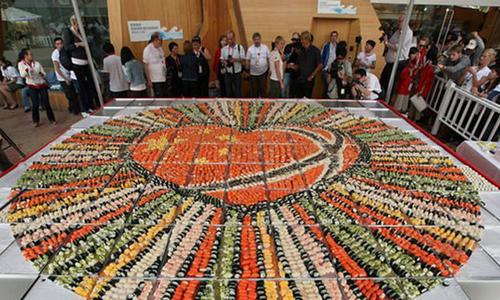 самая большая мозаика из суши