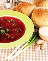 Блюда русской кухни - борщ с луком