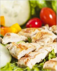 Что приготовить из куриных грудок - салат с куриной грудкой