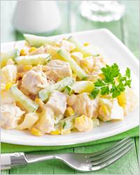 салат с куриной грудой и ананасами