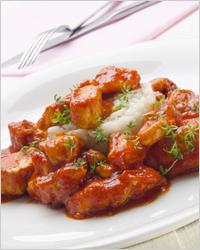 Что приготовить из куриных грудок - куриная грудка в томатном соусе