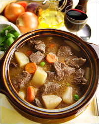 beef in the pot, the meat in the pot