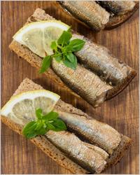Бутерброды со шпротами - Рыбные консервы