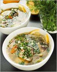 Суп с рыбными консервами и лимоном