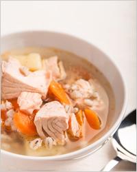 Суп с рыбными консервами и перловкой