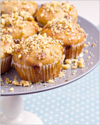 Muffins with walnuts