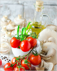 Салат с шампиньонами и помидорами
