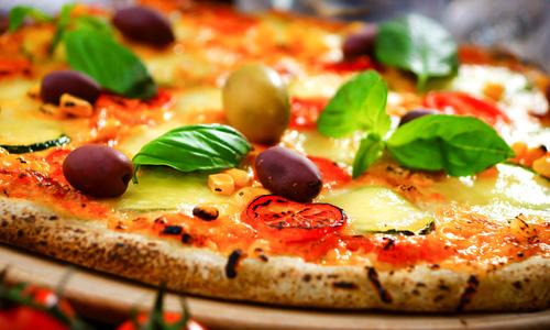 Пицца с оливками в духовке