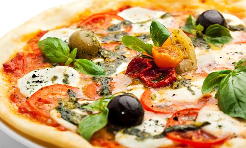 Пицца с вялеными томатами