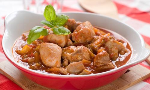Гуляш из курицы - Быстрые рецепты на каждый день