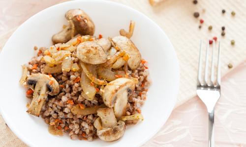 Постная гречка с грибами