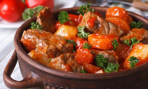 Салат с лапшой и семечками