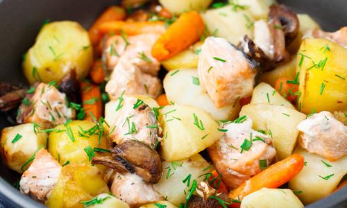 Горбуша запеченная с овощами