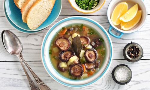 Суп из древесных грибов
