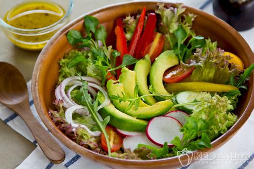 Овощной салат из редиски