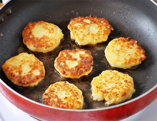 Сырники из творога на сковороде
