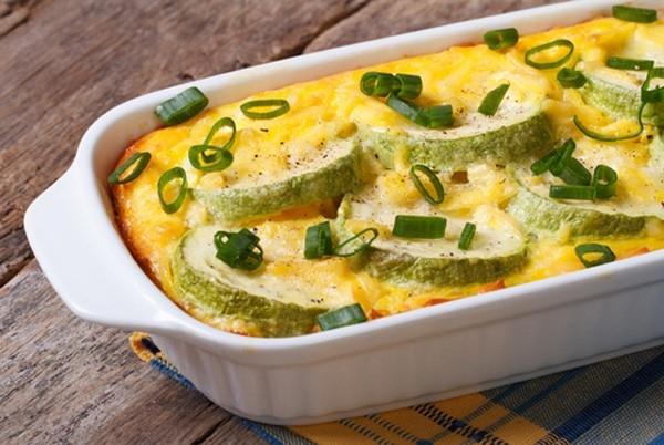 Рецепты простых салатов из консервированной кукурузы
