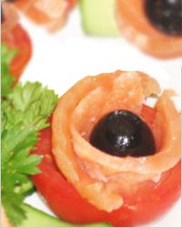 Закуска «Цветы из помидоров»
