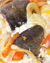 Рыба, запечённая с овощами в духовке