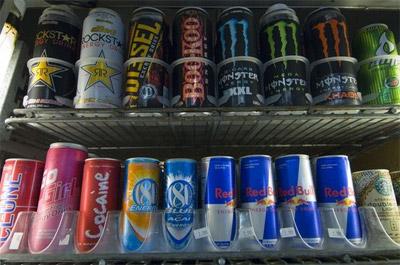 Энергетические напитки могут нарушать сердечный ритм.