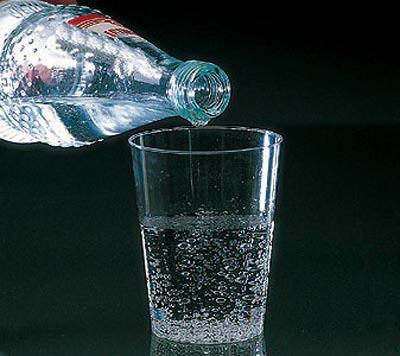 Минеральная вода помогает от сильного сердцебиения