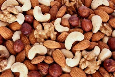 Орехи убирают жир с живота