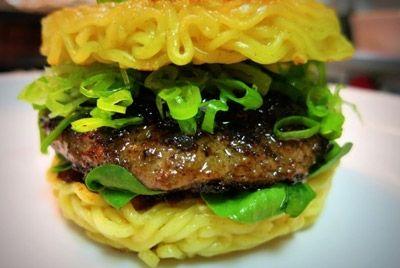 shoyu-ramen-burger--burger-v-aziatskix-tradicziyax
