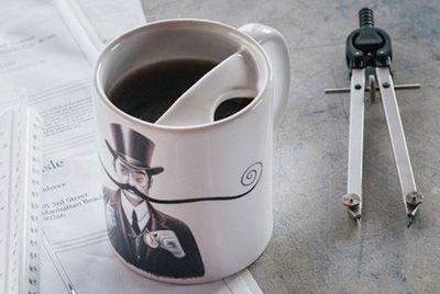 Кофейная кружка для защиты усов