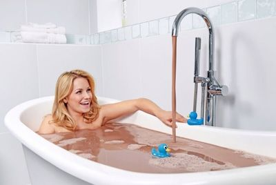 Ванна из расплавленного шоколада