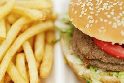 Дешевая еда опасна для здоровья