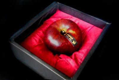 В Японии продают яблоки для исполнения желаний