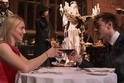 Ужин на День влюбленных в зале Хогвартса