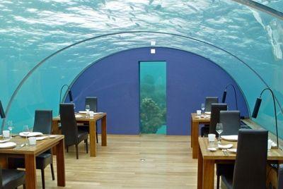 На Мальдивах построен самый большой подводный ресторан