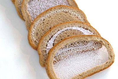 Вышивка и вязание по хлебу