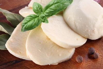 Российские монахи занялись производством европейских сыров