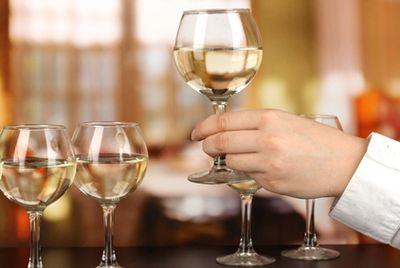 Специалисты создали синтетическое вино из воды