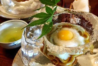 Японский ресторан подаёт лапшу во льду