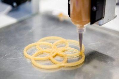 Ресторан с напечатанной на принтере едой отправляется в мировое турне