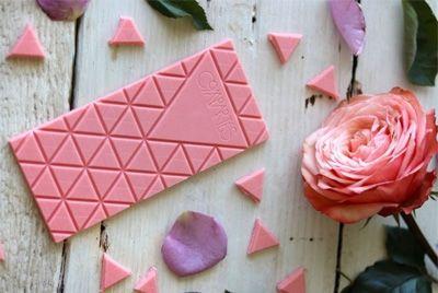 Розовый шоколад