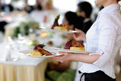 Китайский ресторан разорился из-за веры в человечество