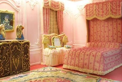 Британские кондитеры создали пряничный домик в виде особняка Ротшильдов