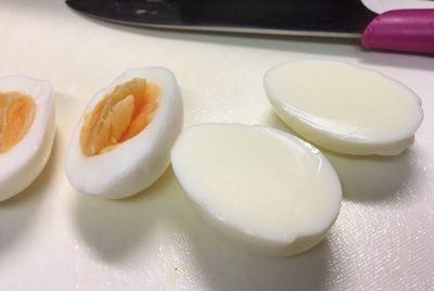 В Японии обнаружено яйцо без желтка