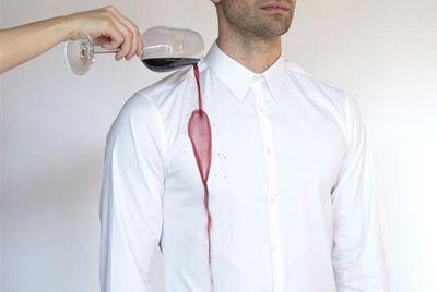 Создана рубашка, устойчивая к пятнам от вина и кетчупа