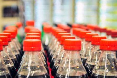 Знаменитые новогодние грузовики Coca-Cola могут запретить