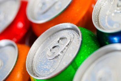 Во Франции запретили неограниченную продажу сладких напитков