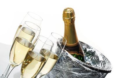 Питьевая вода со вкусом шампанского